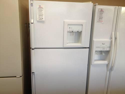 Ge Profile White Top Mount Refrigerator Freezer Used For
