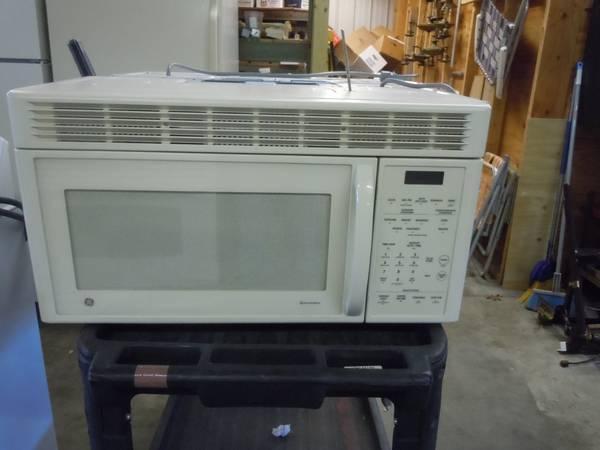Ge Spacemaker Above Range Microwave Super Clean Lightly