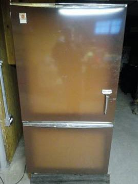 GE Vintage Working Good Condition Fridge & Freezer Sell