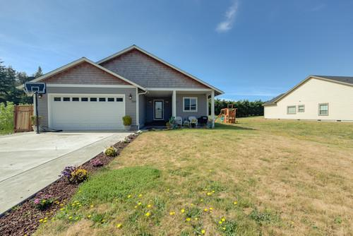 gearhart custom 4 bdrm family home for sale in