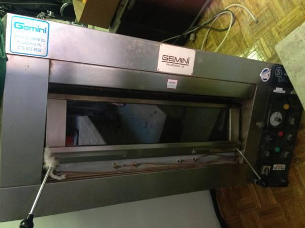 Gemini Commercial Electric Single Deck Oven - $1500