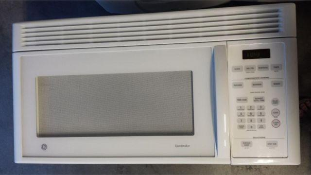 General Electric Ge Spacemaker Microwave White Over The