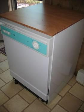 Gently Used GE Nautilus Portable Dishwasher with Butcher Block Top for Sale in Whittier ...
