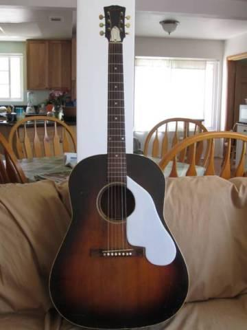 Gibson Vintage J-45 Acoustic Guitar