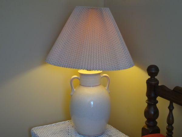 GINGER JAR Lamp - $25 (Perry)