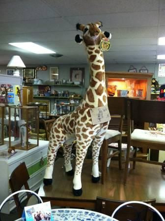 giraffe giant stuffed animal for sale in melbourne florida classified. Black Bedroom Furniture Sets. Home Design Ideas