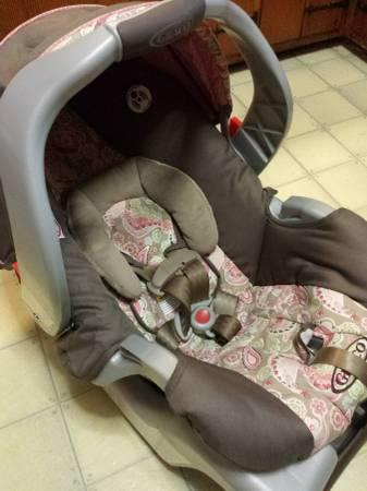 Graco Infant Car Seat Classifieds