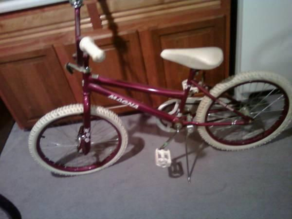 Girl's Bikes Great Condition - $30