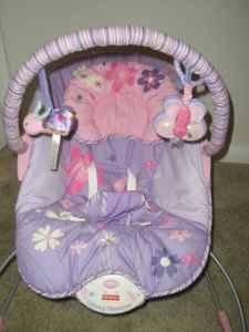 Girl's Fisher-Price Infant Bouncer Seat - Perfectly