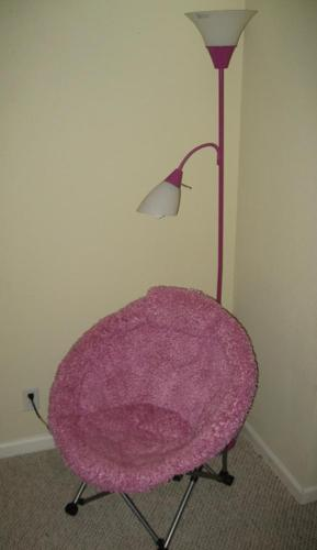 Girl's pink chair w/ matching lamp - $25 (Littleton