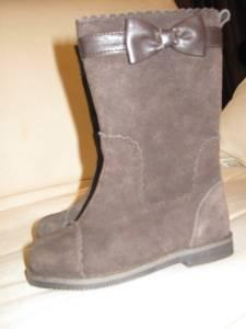 GIRLS SIZE 4 - JANIE  JACK DARK BROWN BOOTS WITH BOW - $12 PRESCOTT
