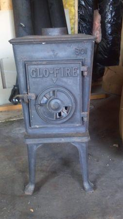 GLO-FIRE wood stove - $150 (Wenatchee)