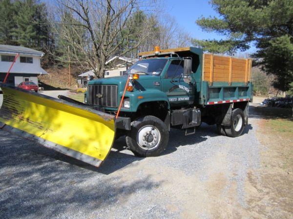 gmc 6500 4x4 dump truck plow cat diesel only 25k mi 6