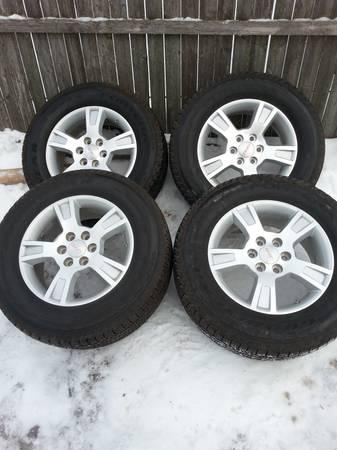 gmc acadia 18 inch wheels and tires for sale in toledo ohio classified. Black Bedroom Furniture Sets. Home Design Ideas