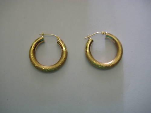 GOLD HOOP EARNINGS 14 K NEW VERY NICE MAKE AN OFFER