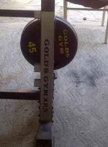 !!GOLD'S GYM WEIGHT SET VERY NICE, MUST SALE/TRADE -
