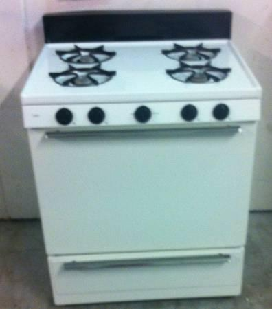 Good Working Condition White Capri Gas Range For Sale In