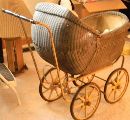 Gorgeous Antique Childs Baby Buggy