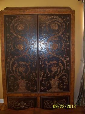 gorgeous armoire in mint condition for sale in garden city. Black Bedroom Furniture Sets. Home Design Ideas