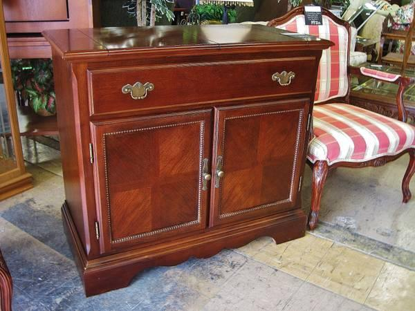 Gorgeous Bar With Fold Out Top Universal Furniture Eugene Liquidators For Sale In Eugene
