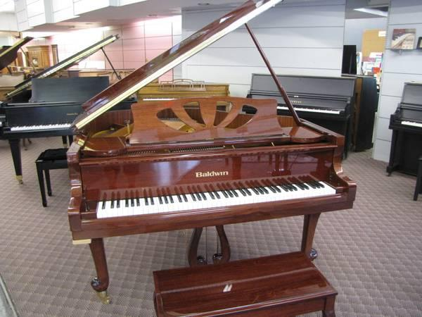 Gorgeous Cherry Finish Baldwin Baby Grand Piano for Sale in Rogers