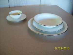 Gorgeous Noritake Silverdale #5594-Set of 8 (48 pieces)