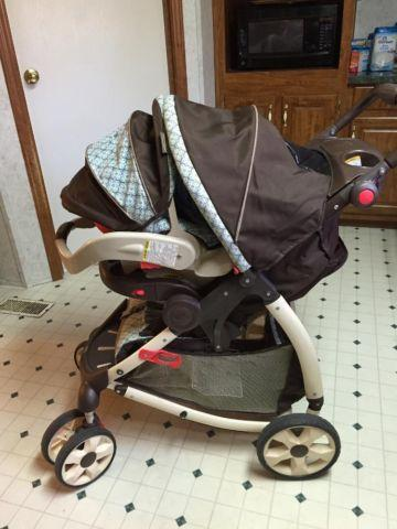 Graco Classic Connect Stroller & Infant Car Seat for Sale in ...