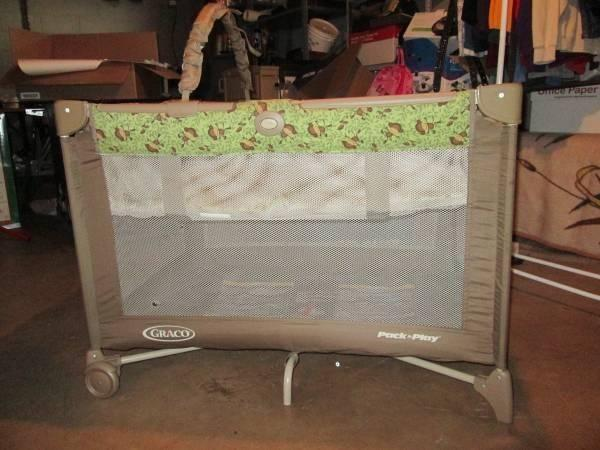Graco Collapsable Pack N Play With Hammock For Sale In