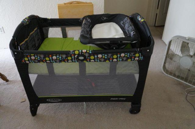 Graco Pack N Play Playard With Newborn Napper Miami For