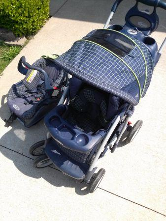 Graco stroller and car seat - $50 (Harrisburg, Il)