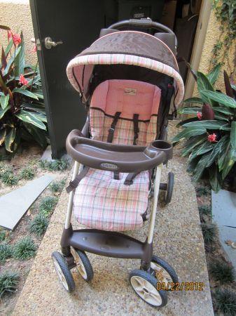graco stroller and matching car seat - $75 lake ella