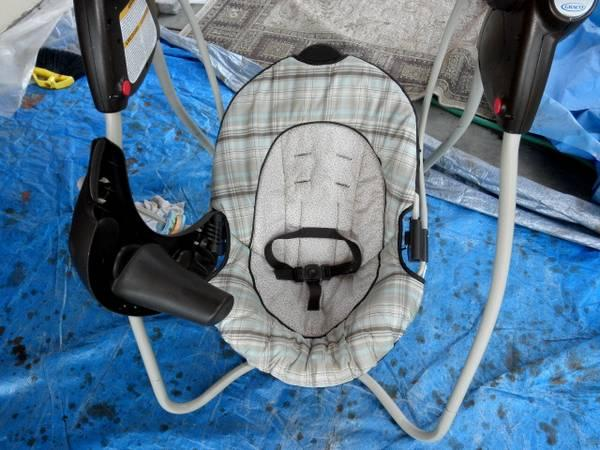 GRACO UPRIGHT BABY SWING - $50