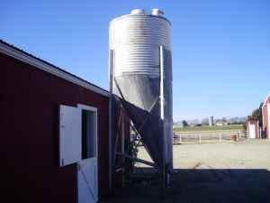 GRAIN HOPPER - $575 (SALINA,KS)