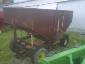 grain wagon gravity wagon - $300 (sheridan)