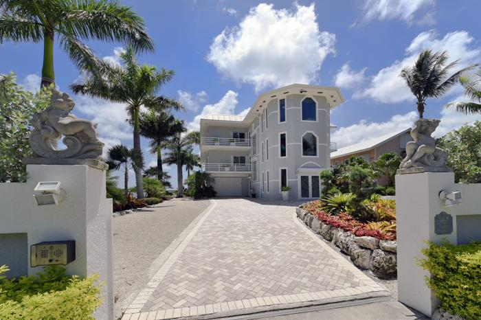 Grand Bayfront Estate
