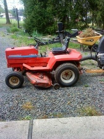 GRAVELY TRACTOR WITH 42