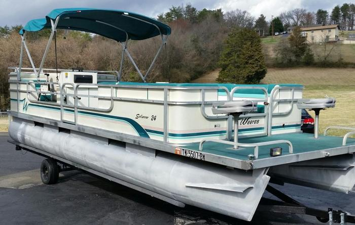 Great 24FT Pontoon With Trailer