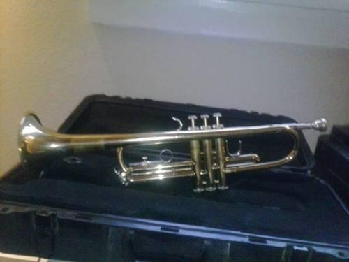 great bach student trumpet for sale for sale in new orleans louisiana classified. Black Bedroom Furniture Sets. Home Design Ideas