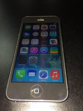 ***GREAT CONDITION APPLE IPHONE 5 32GB BLACK*** - $350