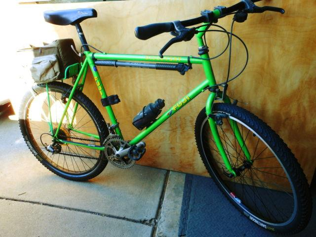Great condition, light green 21 speed Men's Fuji