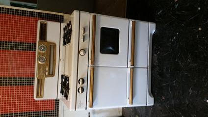 Great vintage Caloric Natural Gas Stove