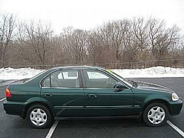 Green 2000 honda civic ex 4 door sedan dealer for Honda civic dealership