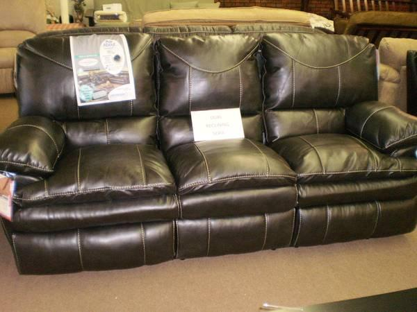 grey leather reclining sofa from jackson furniture industries for sale in jackson michigan. Black Bedroom Furniture Sets. Home Design Ideas