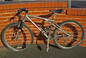 Gt Aluminum Mountain Bike Rebound Suspension 24 Spd Shimano