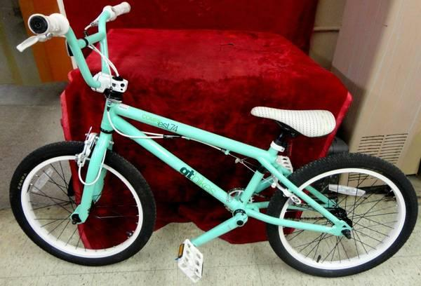 GT Bikes Compe Freestyle BMX Bicycle Mint Green - $225