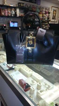 Gucci Lady Buckle Black Leather Handbag - $1650