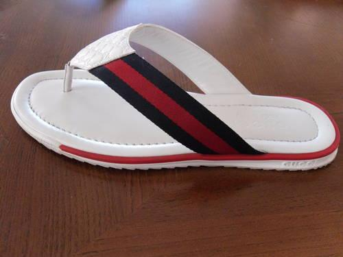 d5b769c5c859 Gucci Unisex Flip Flops Mint! for Sale in Phoenix