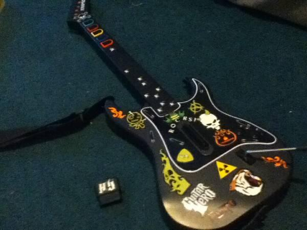 Guitar hero III perfectly new guitar and mic for PS2 -
