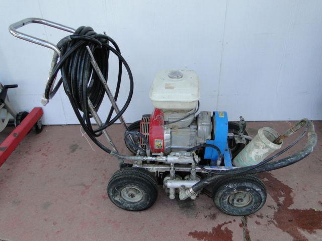 H E R O  125 Gas Powered Airless Paint Sprayer Pump w/Honda