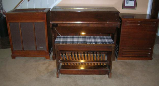 hammond church organ and leslie 45 speaker price reduced for sale in stafford texas. Black Bedroom Furniture Sets. Home Design Ideas
